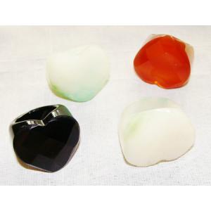 Δαχτυλίδι απο ημιπολύτιμο λίθο (καρδιά)