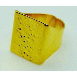 Δαχτυλίδι τετράγωνο σχήμα