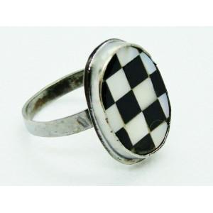 Ασημένιο δακτυλίδι με quartz
